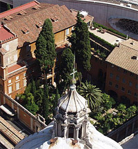 Blick auf den Campo Santo vom Petersdom